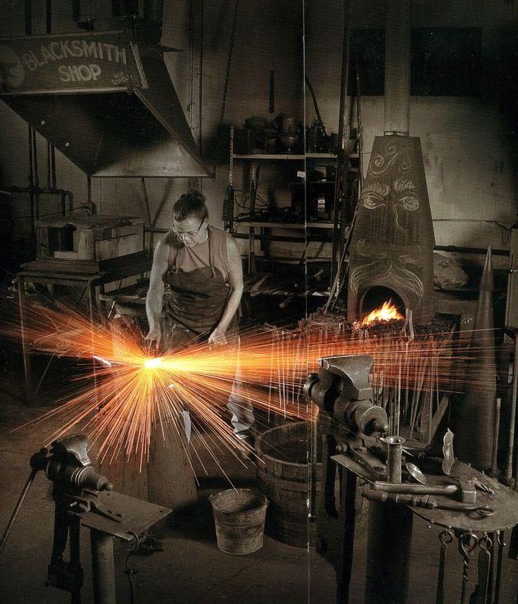 Woman Blacksmith Blacksmith Blacksmithing Metal