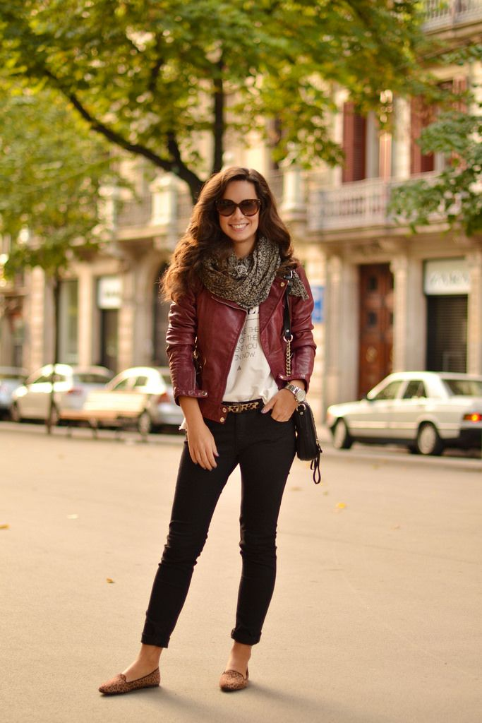 Cómo combinar tu cazadora de cuero granate | Marta Barcelona Style | Blog de Moda | Conjunto de Ropa de Mujer para el día a día | Fashion Blogger