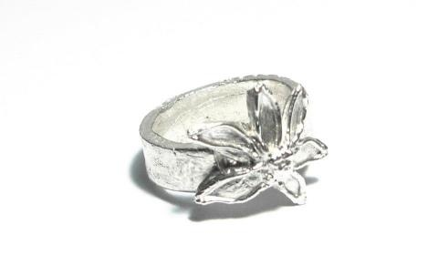 Herliana's first attempt of PMC ring, her center piece has organic and fluidity feels to it.