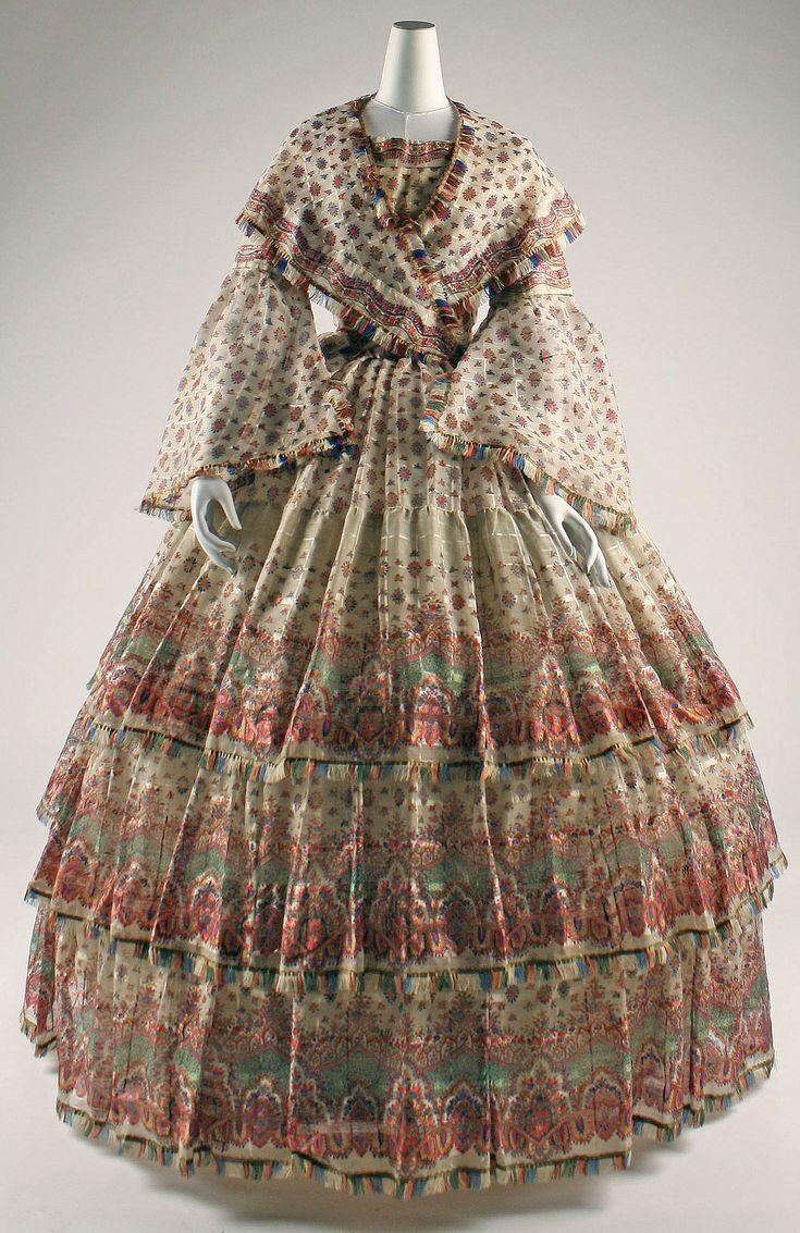Dating wonens victorian fashion