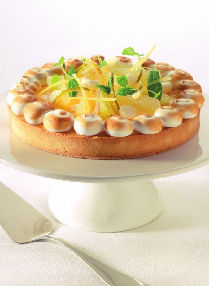 Citroentaart met schuimpjes http://njam.tv/recepten/citroentaart-met-schuimpjes