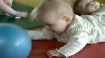 Le monde caché des bébés on Vimeo (motricité libre)