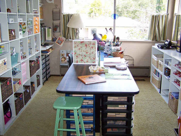 craftroom!: Craft Space, Natural Lighting Check, Scrapbook Rooms, Island Workspace Check, Craftroom Ideas, Craft Rooms, Mini Drapes Check