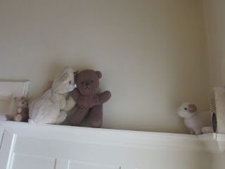 """""""The little sheep must be rescued!"""" Hallway drama for people without T.V."""