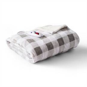 Keep the chills away during the colder months with the Velour and Sherpa Heated Throw from Biddeford Blankets. This electric blanket includes six heat settings so you can adjust and readjust to find just the right level of warmth you need. One side is covered with velour fabric and the other is sherpa, so you'll be cozy no matter what side you wrap yourself up with.