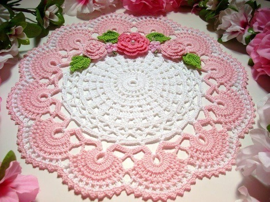 beautiful doily... but can't find the pattern :-(