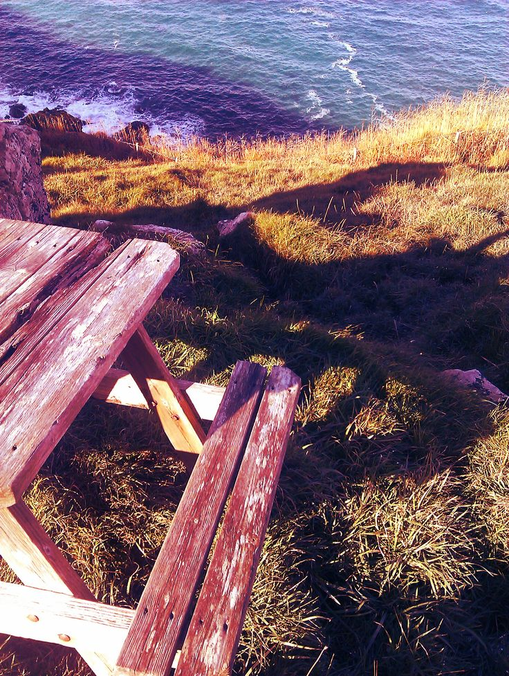 The isolated bench on the cliff