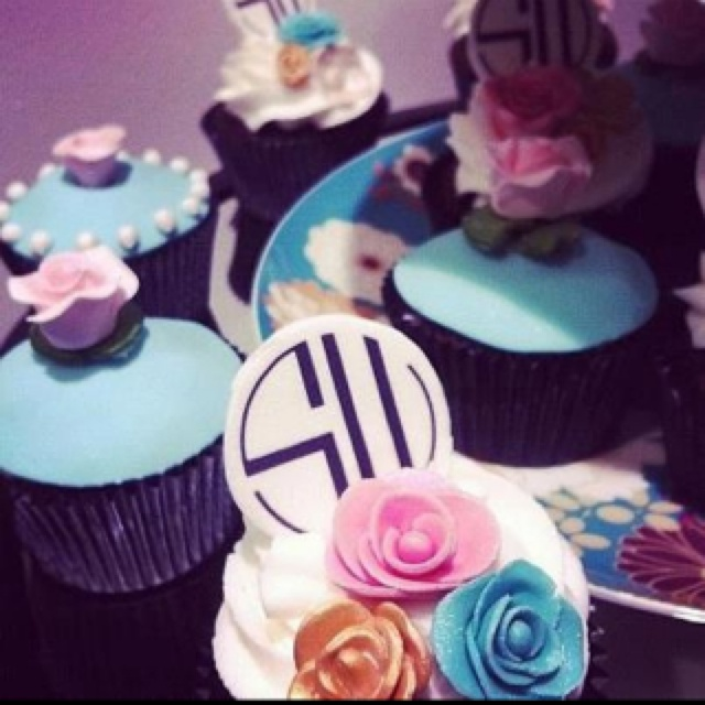 SW/BJ VIP Night Delish Cupcakes
