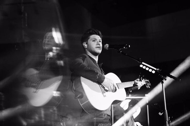 "Gefällt 1,105 Mal, 1 Kommentare - Niall Horan Updates (@niallupdate) auf Instagram: ""8-Niall performing at #FlickerSessionsDublin in Dublin 29th August! #NiallHoran #Niall #Horan…"""
