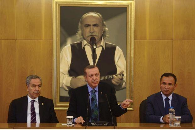Δριμύ κατηγορώ -εναντίον της ελληνικής συμμετοχής στη φετινή Eurovision, αλλά και του Αγάθωνα προσωπικά- εξαπέλυσε ο Τούρκος ηγέτης, θεωρώντας ότι ο τίτλος του «φούσκωσε» τα μυαλά των πιστών Μουσουλμάνων!