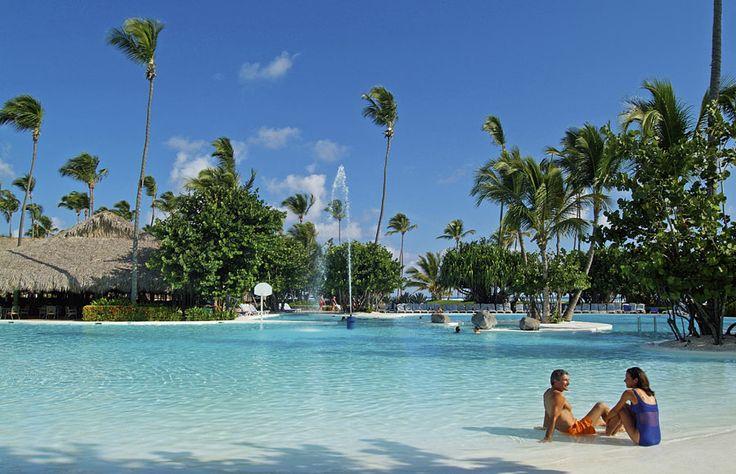 Az Iberostar hotelek mindenhol garantálják a magas színvonalat. Ez is egyike a díjnyerteseknek Dominikán :) A csodálatos homokos strandon található szálloda elsősorban sokszínű szórakozási lehetőségekkel garantálja az igazán pihentető nyaralást.  http://www.kereso.elfida.hu/uticel/dominikai-koztarsasag-dominikai-koztarsasag-punta-cana/iberostar-bavaro/iberostar-bavaro/191513?agency_id=41  #Dominikai-Köztársaság #utazás #nyár #nyaralás