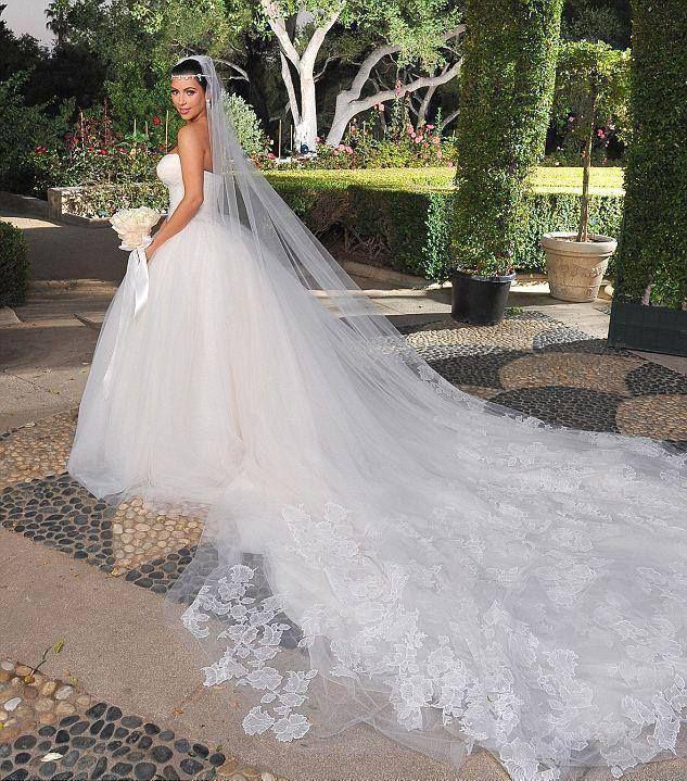 Kris humphreys and kim wedding dress