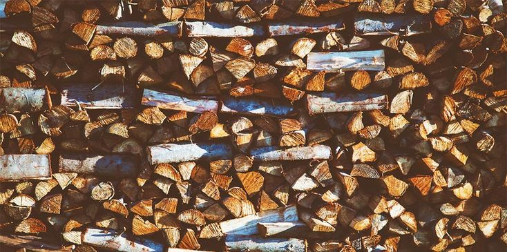 We have written many articles on the benefits of using kiln dried logs (kiln dried logs will save you money, The Difference Between Seasoned And Kiln Dried Logs).  In these articles, we describe kiln dried logs and their many benefits.  You're sold, you want to buy them, there is just one stumbling block: How do you store them?