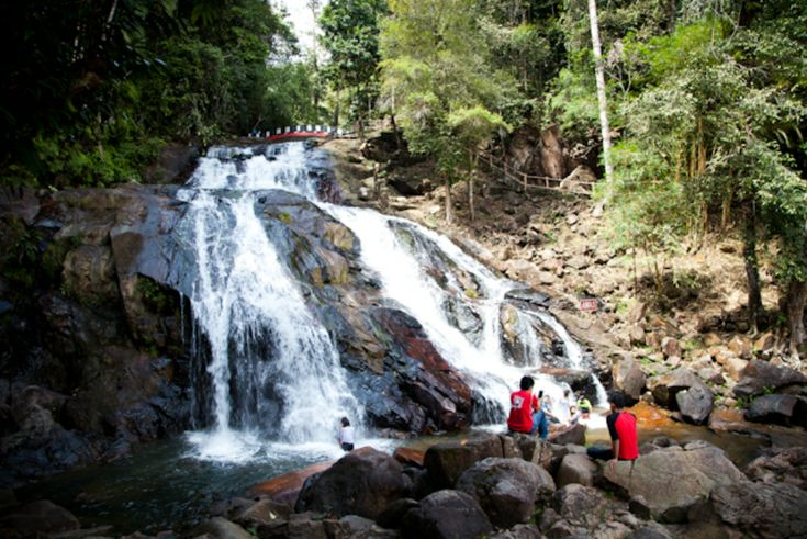 Kota Tinggi Waterfalls, Johor – Natural Pools and Cascading Waterfalls - http://blog.travelbuddee.com/blog/kota-tinggi-waterfalls-johor/