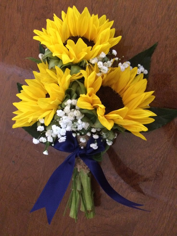 Bridesmaid bouquet. Throw bouquet. Flower girl. Maid of honor. Sunflower. Baby's breath. Navy Bow. Burlap. Country chic. Summer wedding. Oakleaf Florist.