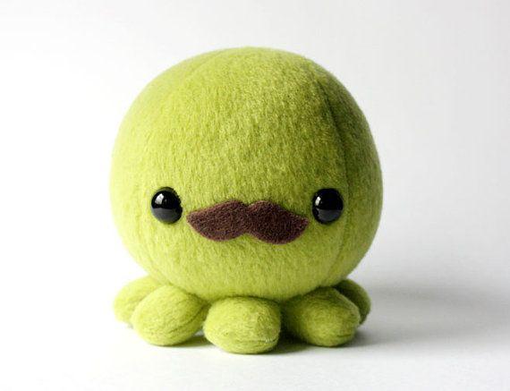 Green Octopus Plush with Moustache par cheekandstitch sur Etsy, $14.00