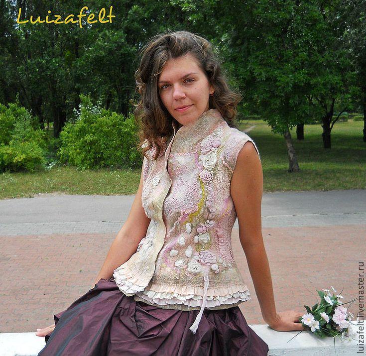 """Купить Валяный жилет """"Розовый сад"""" - кремовый войлочный жилет, розовый войлочный жилет"""