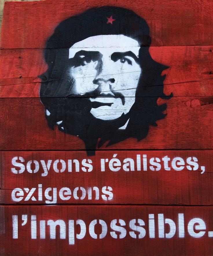Citation en pochoir sur bois flotté de Che Guevara format 42x50 cm