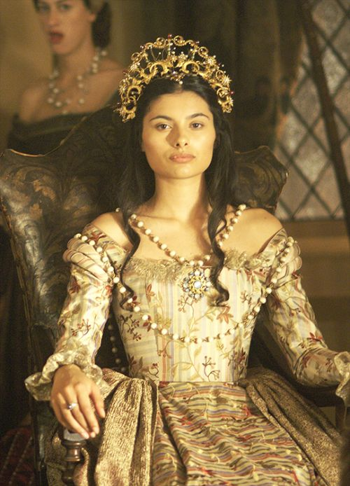 Character: Allete (dress - Claude of France - Gabriella Wright in The Tudors Season 1)