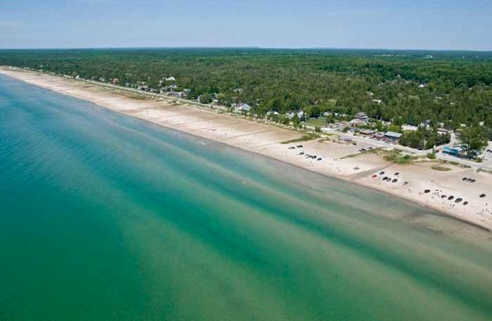 Thirty miles of beautiful beaches along this Lake Huron coast are equaled only by the spectacular sunsets. 'The Bend', just 45 minutes from London, Ontario #Beaches
