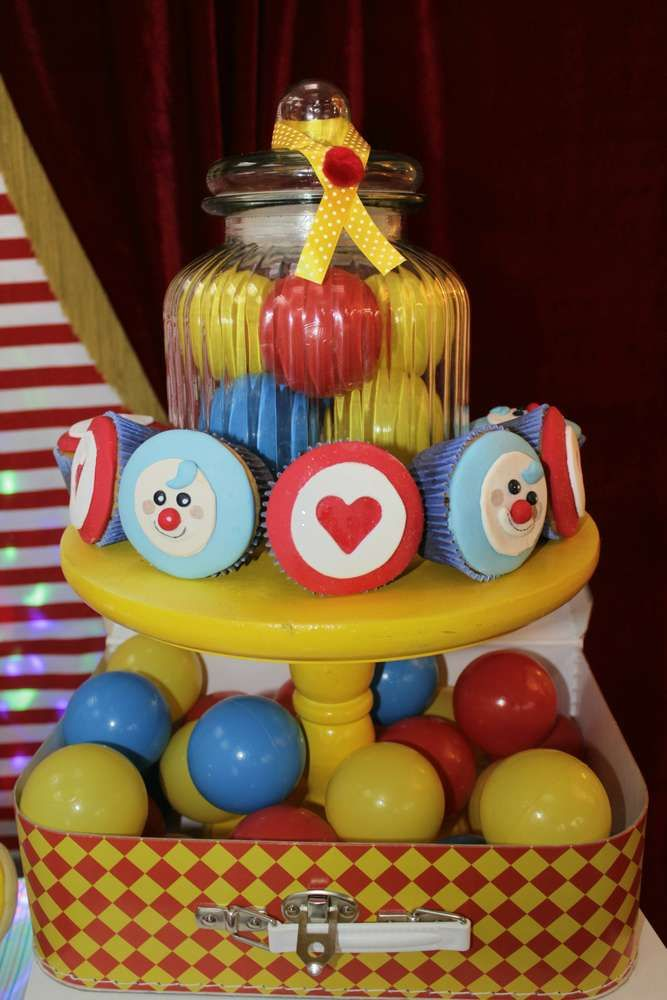 plim plim clown Birthday Party Ideas | Photo 1 of 32