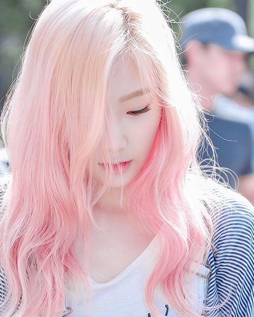 Taeyeon! This hair color is super pretty!!!                                                                                                                                                                                 More