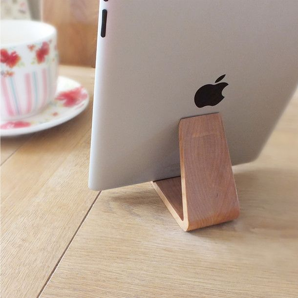Universal Tablet Stand Cherry