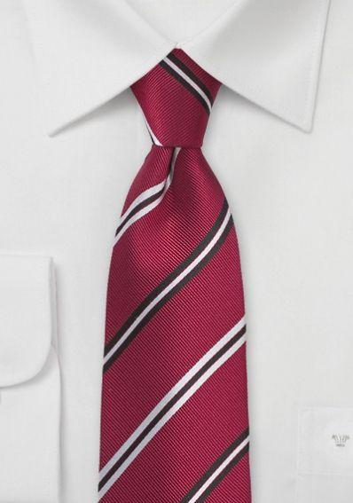 Auffallende Krawatte Streifenmuster mittelrot