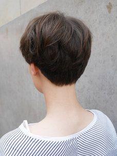 パリ発ほんのりスイートなショートヘア