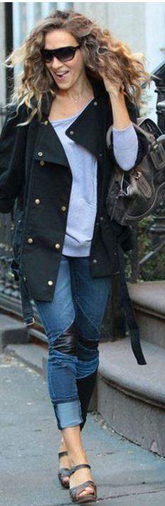 Sarah Jessica Parker: Jacket – Current/Elliott  Jeans – Blank