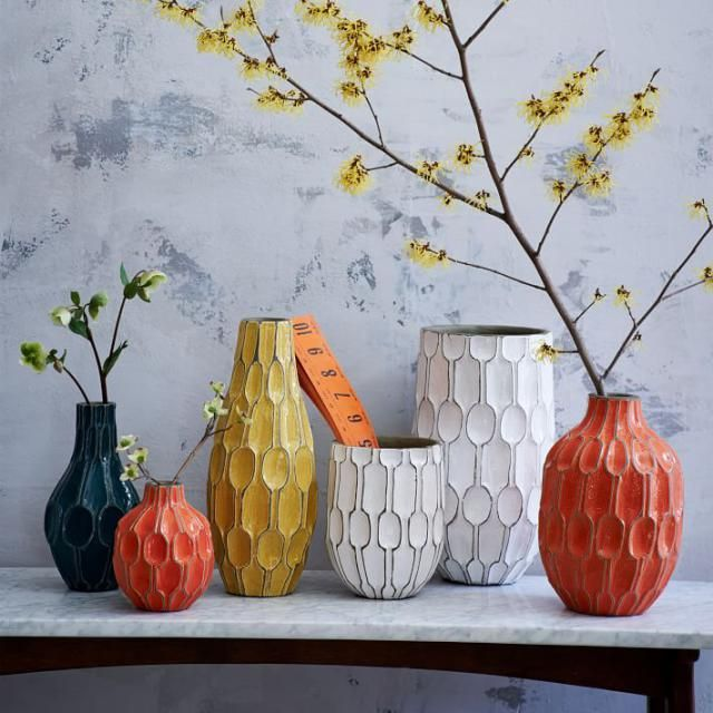 DIY-Turn cheap glass vases into gorgeous objets d'art that look like expensive and trendy textured ceramics.