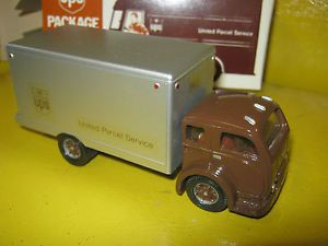 Dehanes models USA UPS United Parcel Service cab over box truck.