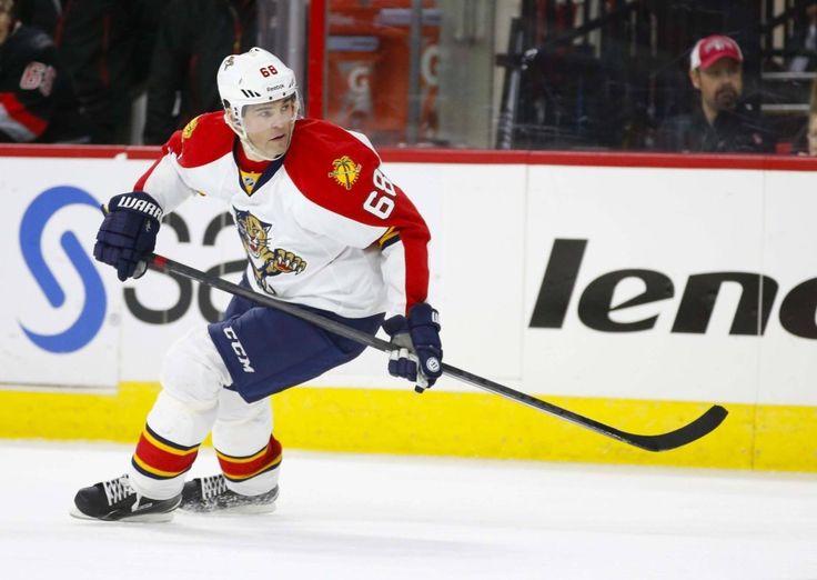 Jaromir Jagr Leaves Tuesday's Game With Injury - http://thehockeywriters.com/jaromir-jagr-leaves-tuesdays-game-with-injury/