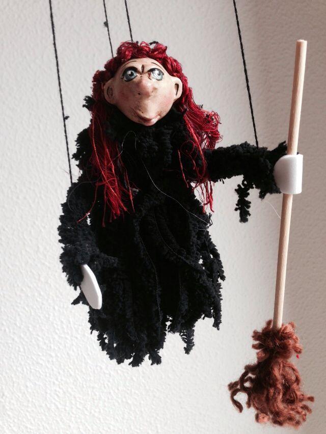 Witchy I., eine von Vielen, jedoch wie jede einzigartig. Unsere Hexenkollektion, -handgearbeitet.