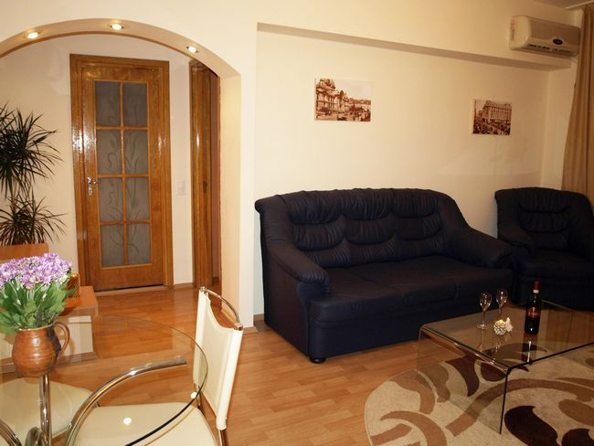 2 rooms/1 bedroom serviced apartment in central Bucharest. Very reasonable prices! Stayed twice at this company.
