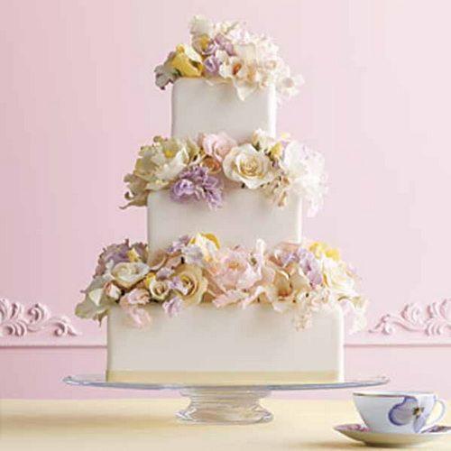 elegant flowers wedding cake Elegant Wedding Cakes Designs