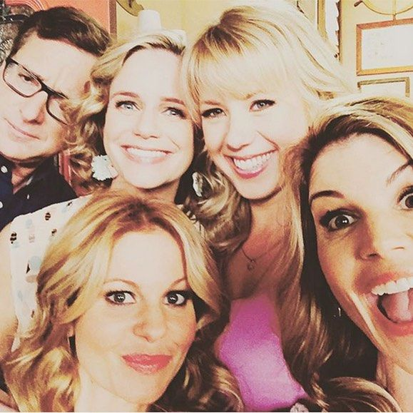. The Tanners are back! Fuller House gets a Feb. 26 premiere date on Netflix and that's not all...Click the link in our bio watch the show's heartwarming teaser trailer (:Instagram) by eonline