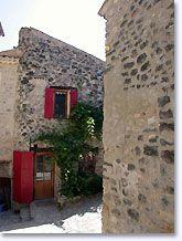 St. Euphemia op Ouvèze, huis met rode luiken
