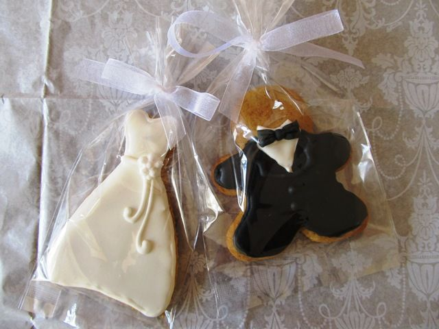 Gingerbread wedding favours