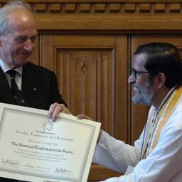 Shuddhaanandaa receives Lifetime Achievement Award from S.T.A.R. Foundation in UK, presented by The Rt Hon, Lord Hunt of Wirral MBE at the House of Lords July 21, 2015