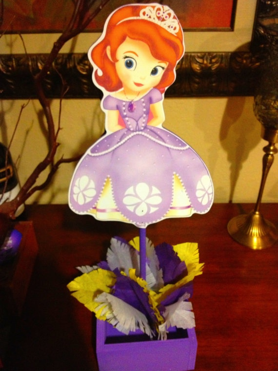 Princes Sofia the First wooden centerpiece by uniqueboutiquebygami. Cute decorating idea for any table!