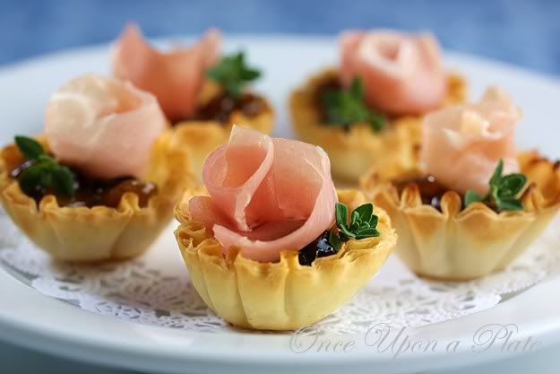 Once Upon a Plate: Tiny Brie, Prosciutto and Chutney Tart BitesPastries Shells, Tiny Tarts, Bites Size, White Chocolate, Chutneys Tarts, Tiny Brie, Chutneys Bites, Tarts Bites, Goat Cheese