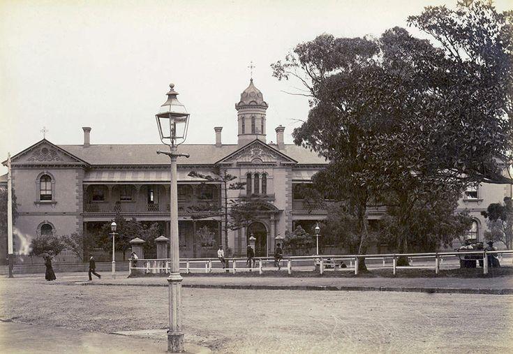 St Vincent's Hospital in Darlinghurst,in eastern Sydney in c1905.A♥W