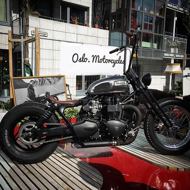Showcasing our latest build @oslobikefest  This is one unique Triumph Speedmaster ladies and gentlemen! #oslomotorcycles #custom #triumph #bonneville #speedmaster #bobber #chopper  #croig #motorcycle #vintage #choppedandbobbed