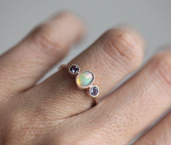 Bague en trois anneau de Pierre opale Welo opale par MinimalVS