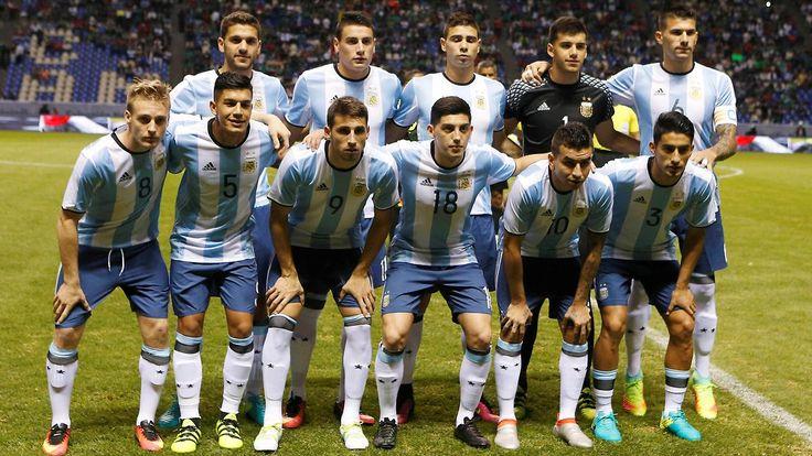 ++ Fußball, Transfers, Gerüchte ++: Unbekannte rauben argentinische Mannschaft aus