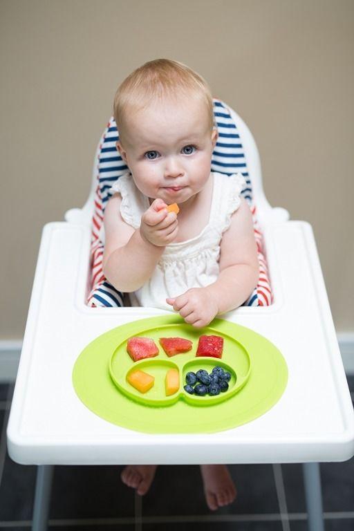 Pierwszy posiłek stały – niezbędne akcesoria