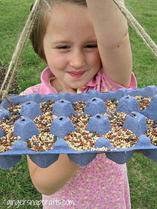 DIY Bird Feeder: Cartons Gingersnap, Camps Updates, Birds Feeders Diy Kids, Gingersnap Crafts, Leapfrog Summer, Kids Crafts, Eggs Cartons Crafts, Cartons Birds, Summer Camps