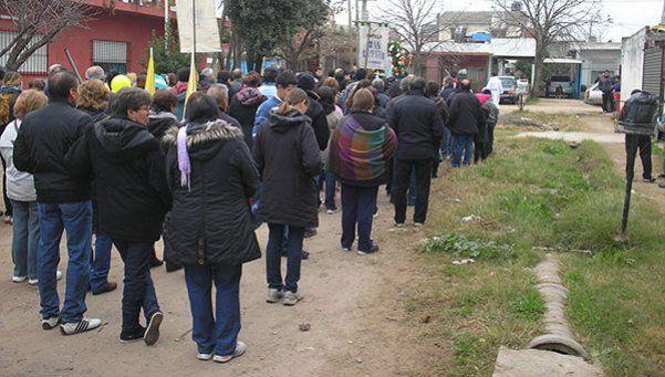 Padre coraje escrachó a narcos en una procesión