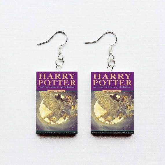 Harry Potter and the Prisoner of Azkaban mini book earrings. #harrypotter #hogwarts #earrings